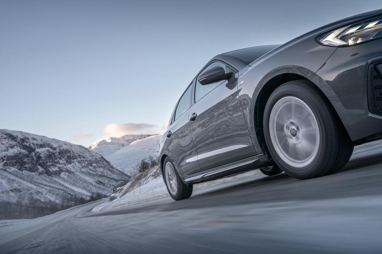 Les pneus neige deviendront obligatoires à partir novembre 2021